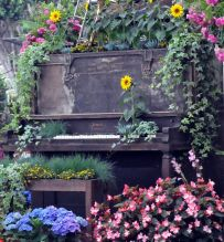 the upcycled piano